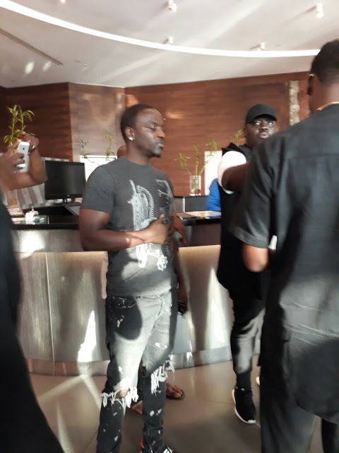 Photos : Akon Arrives Lagos For AFRIMA 2017