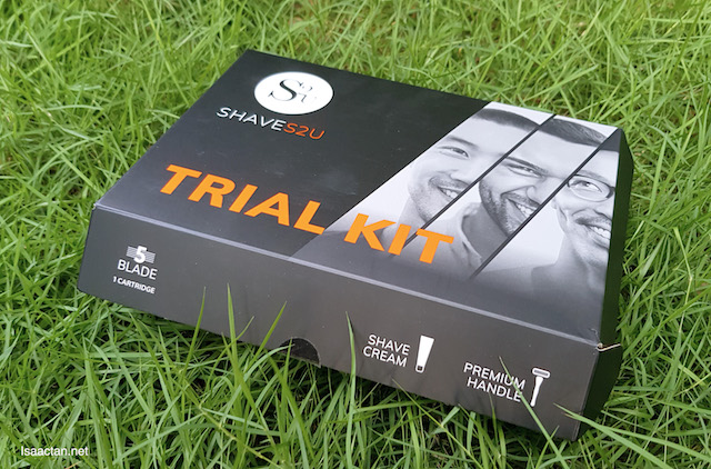 My trial kit, containing the blade cartidges, one premium handle and shave cream
