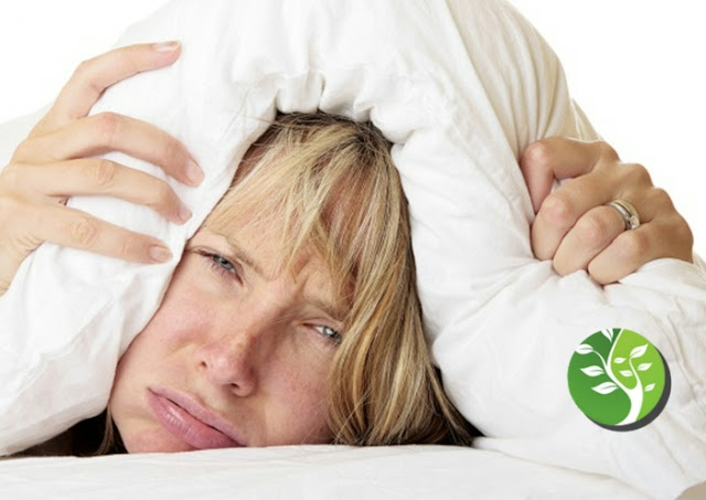 Los alimentos que debe comer para dormir bien y los refrigerios para evitar a toda costa