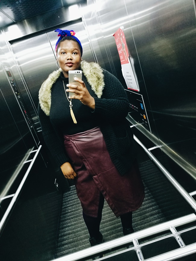 south african plus size blogger, plus size leather skirt winter look, how to style a plus size leather skirt,