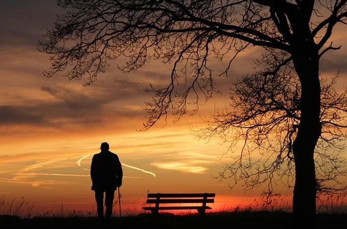 Cerpen Remaja, Romantis - Kumohon, Anggap Kita Tak Pernah Mengenal sebelumnya