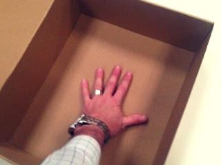 caja personalizada automontable abierta.