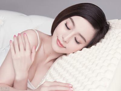 sử dụng collagen dạng nước đúng cách giúp da bạn luôn tươi trẻ