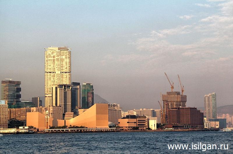 Часовая башня (Clock Tower). Город Гонконг. Китай