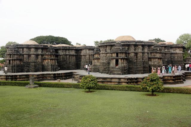 karnataka halebid temple