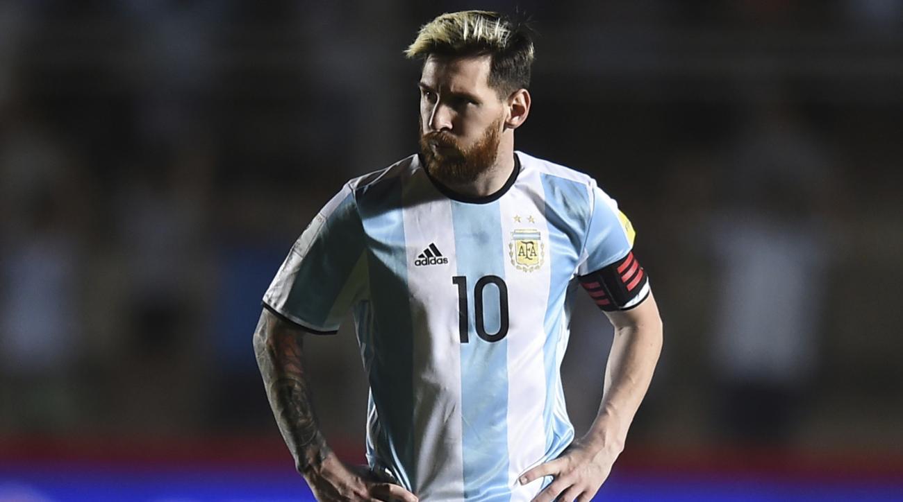 Diego Maradona Sebut Lionel Messi Tak Pantas Jadi Kapten