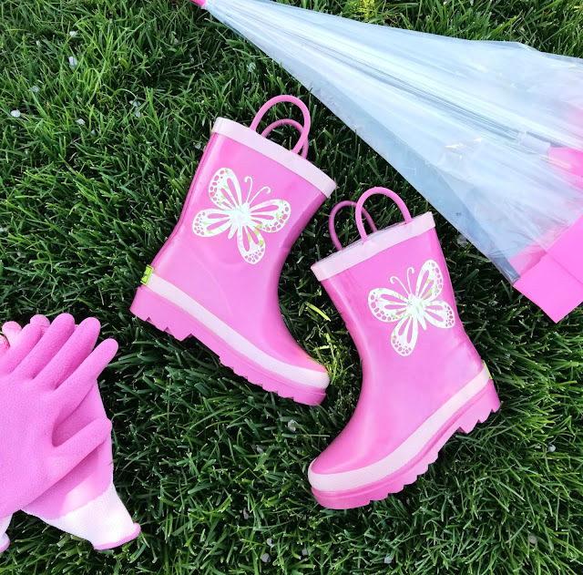 how to decorate rubber boots