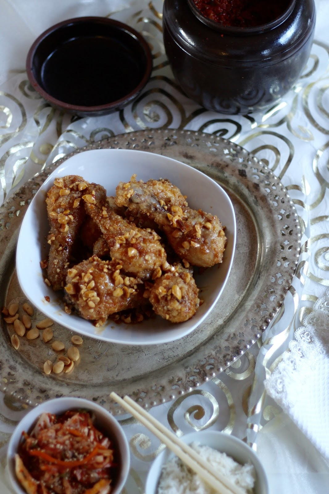 Knusprige frittierte Hähnchenschenkel  - Koreanisches Dakgangjeong nach Maangchi