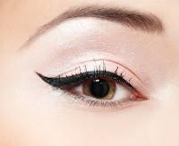Eyeliner. Artistry by Mindy