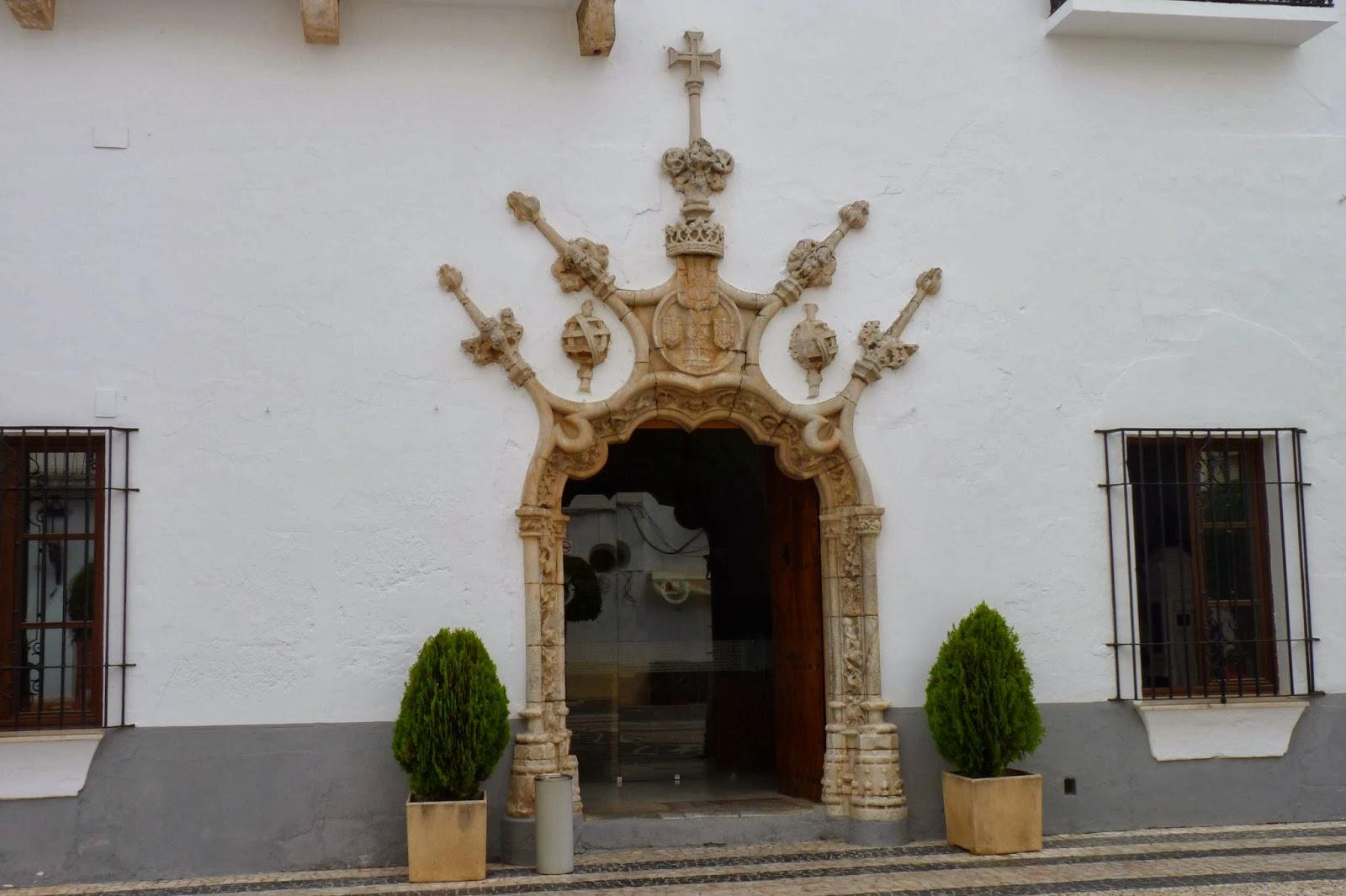 Puerta del Ayuntamiento de Olivenza.