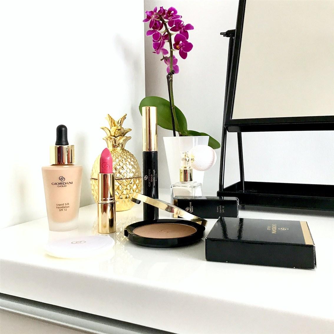 zdjęcie przedstawiające kosmetyki do makijażu Oriflame Giordani Gold