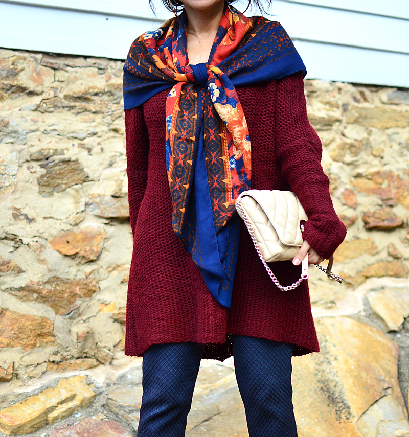 Oversized scarf street style