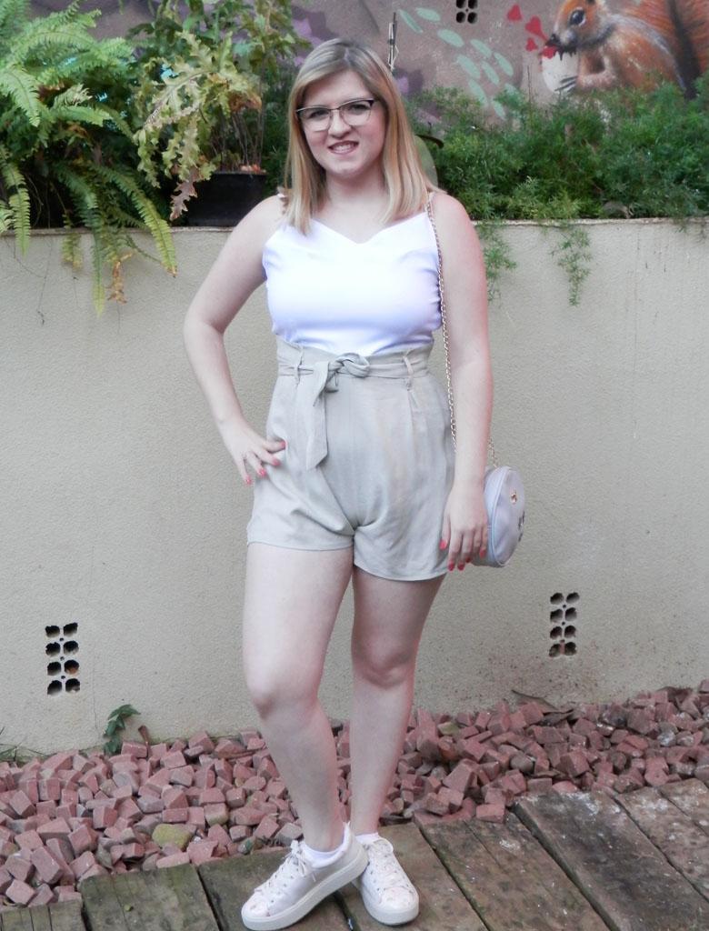 Look: Macaquinho com shorts de alfaiataria