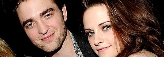 b30fe3337c ... que até fala em matrimônio às vésperas de Amanhecer. O affaire é morno  como o de Bella e Edward