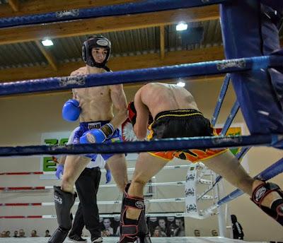 """kickboxing, sport, Mistrzostwa, low kick, PZKB, Przemysław """"Kaciej"""" Kacieja, Ewa Boś, Bogumił Połoński, medale, finał, srebro, brąz"""