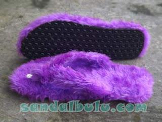 Sandal Bulu Model Jepit Bulu Warna Ungu