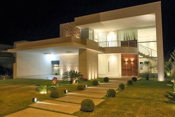 Construindo minha casa clean 30 fachadas de casas for Fachadas de casas modernas com jardim
