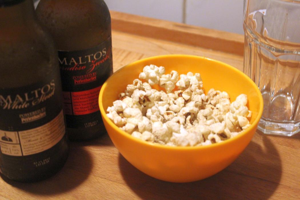 glatzkochs welt popcorn gesalzen in der pfanne gemacht. Black Bedroom Furniture Sets. Home Design Ideas