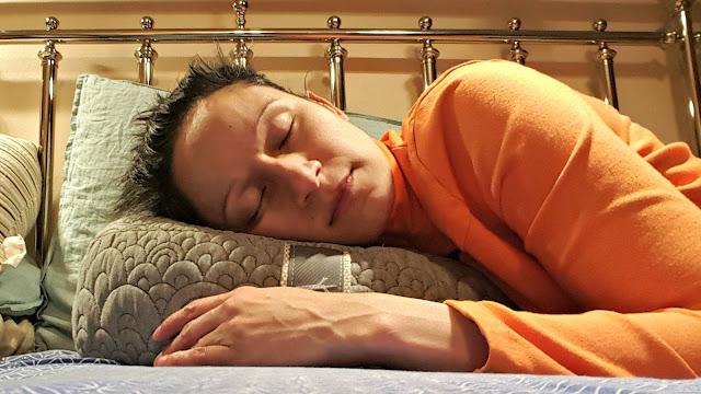 brentwood home coupon, luxury bedroom decor, kapok pillow, meditation pillow, luxury yoga pillow, sleep wellness info, how to get the best night's sleep