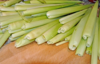 Green corn husks for use as wrappers