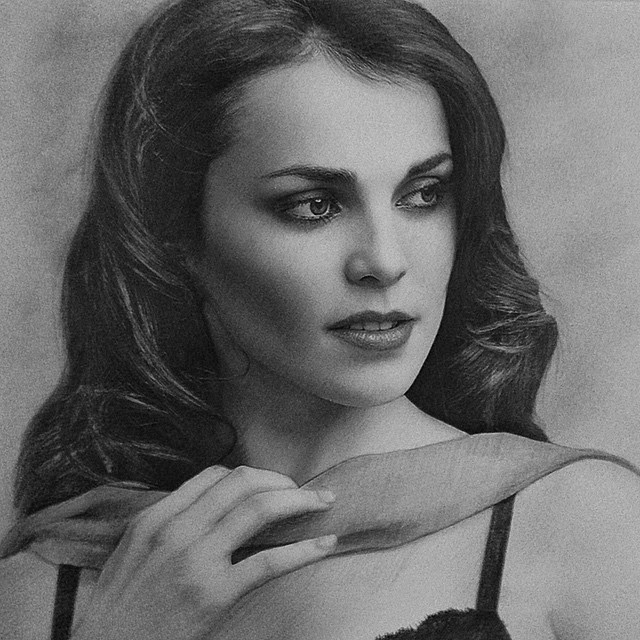 12-Сати-Казанова-Berikuly-Erkin-Very-Expressive-Realistic-Portraits-www-designstack-co