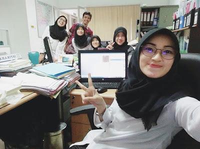 Cerita Cinta Terlarang Dengan Seketaris Di Kantor