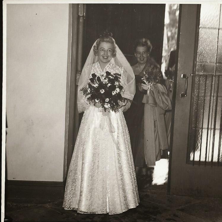 Historical And Regency Romance UK: Wedding Dresses