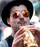 http://musicaengalego.blogspot.com.es/2015/10/fotos-fanfarria-taquikardia-no-festival.html
