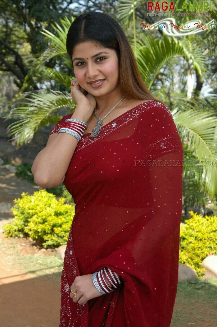 Beautiful Indian Aunties In Saree- Amazing Photo Gallery-3869