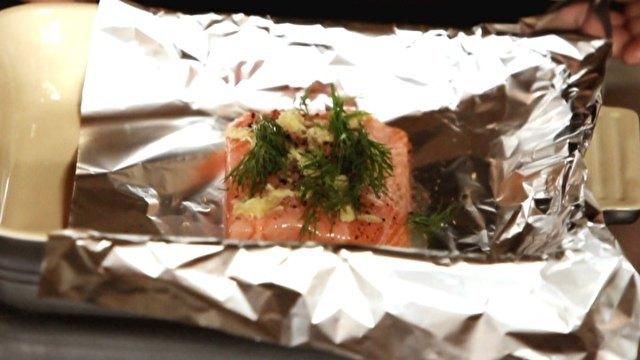 Receita de Filé de salmão no forno com limão e endro