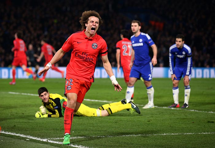 Chelsea offer £32m to sign their former defender David Luiz from PSG