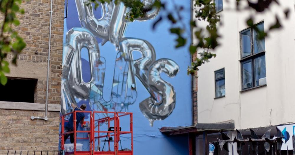 Hyper Realistic Up Yours Helium Balloon Mural By London Graffiti Artist Fanakapan Hookedblog Street Art From London And Beyond