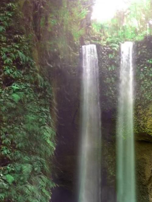 Tempat Wisata Air Terjun Tibumana di Bangli Bali Indonesia