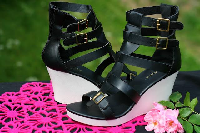 Letnie nowości z SheIn w połączeniu z sandałami Amiclubwear
