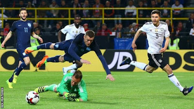 Alemania derrotó a Inglaterra en un partido amistoso antes de los partidos de la eliminatoria Rusia 2018