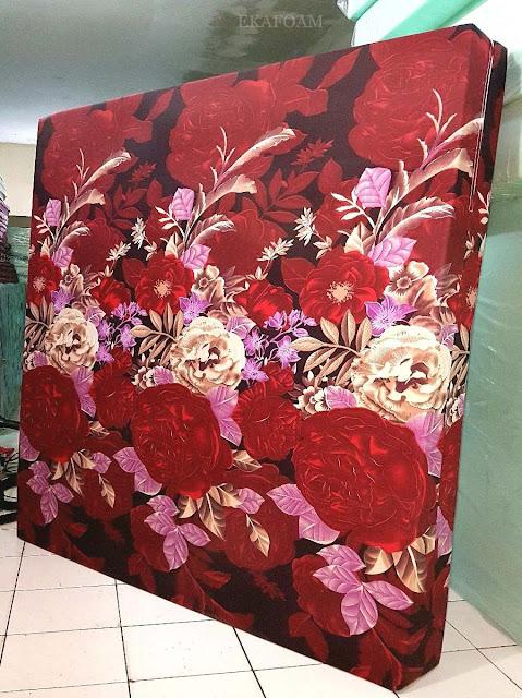 Kasur inoac motif bunga rosiana merah