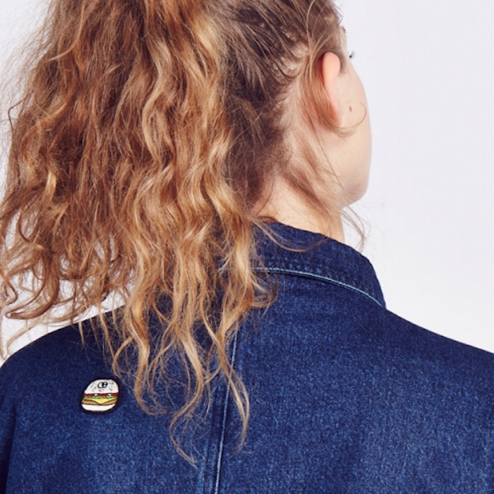 Badges, pins, and patches are the it-trend for 2016.