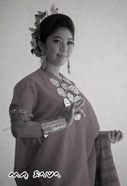 Sejarah dan Makna Baju Bodo serta Songkok Recca Asli Bugis