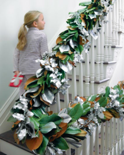Decorate The Stairs For Christmas: Decorating Christmas Stairs