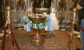 Σφαγή στην Πάτρα: γιαγιά διακόπτει έξαλλη τη βάπτιση της εγγονής. «Αίσχος… σε κάνουν ό,τι θέλουν ρε…»