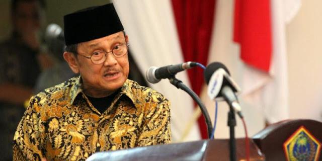 Presiden B.J Habibie