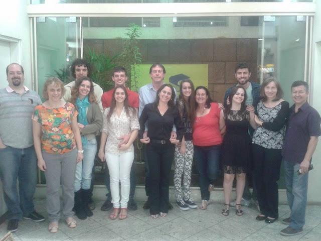 Foto do Evento de Lançamento com autores, amigos, familiares e convidados