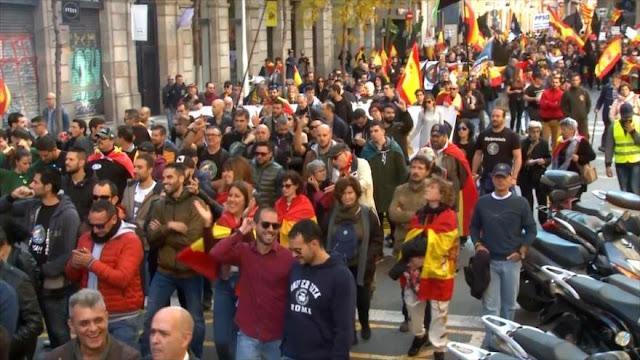 Tensión en Barcelona entre ultraespañolistas y nacionalistas