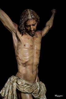 Un Cristo contra la violencia de género… y por la misericordia