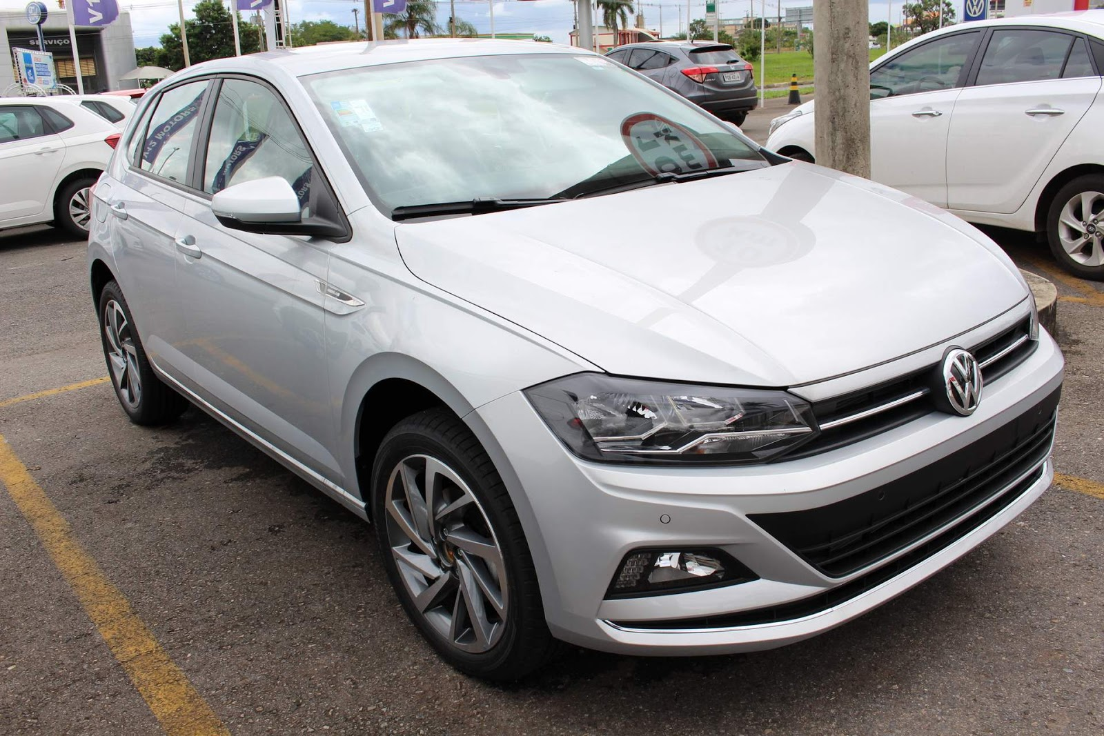 ca39b55a8b VW Polo 2018 Highline com rodas 17 e painel digital  vídeo