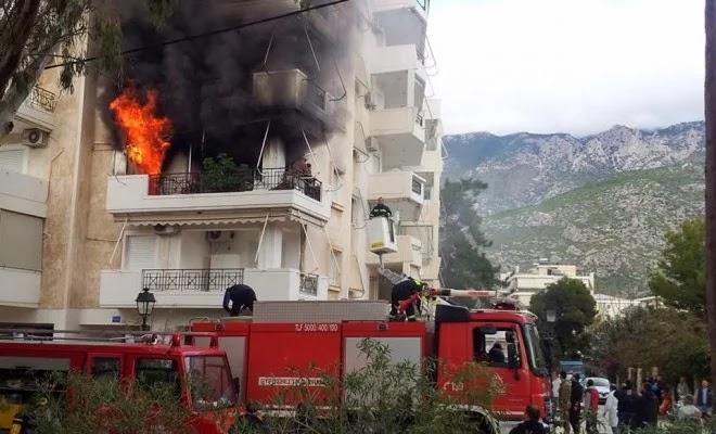 Η μοίρα έπαιξε άσχημο παιχνίδι σε πυροσβέστη: Πήγε να σβήσει τη φωτιά που έκαψε ζωντανή τη μητέρα του