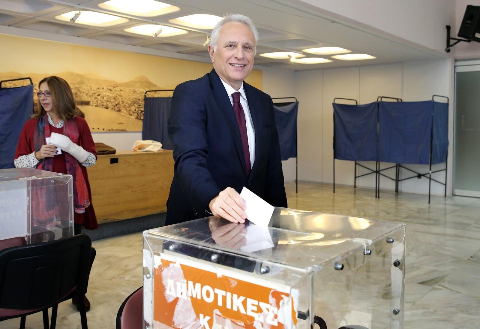 Στον Χολαργό ψήφισε το πρωί ο Γιάννης Ραγκούσης - Τι δήλωσε για την εκλογική διαδικασία