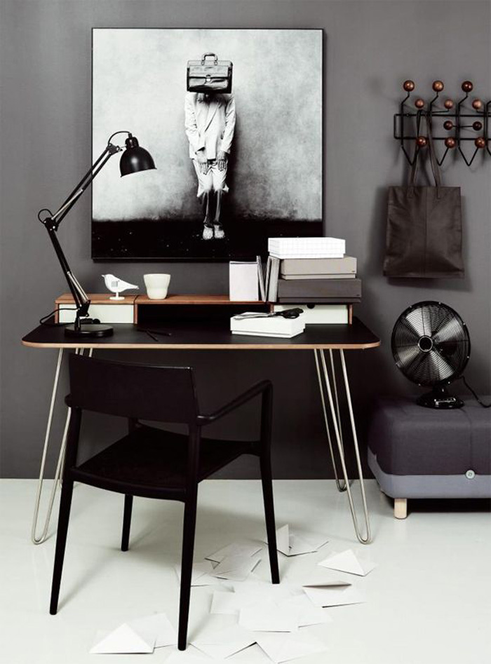 working space in black