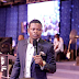 Pastor milionário diz convocar anjos e flutuar durante cerimônias; assista