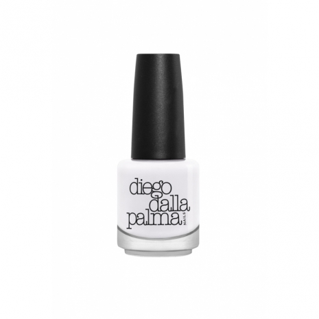 smalto bianco diego dalla palma matte lunga tenuta tendenza smalto bianco tendenze beauty estate 2016 white nail polish beauty trend beauty tips mariafelicia magno color block by felym fashion blogger italiane blogger italiane migliori smalti bianchi quali smalti bianchi acquistare
